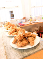 Sharon's Crunchy, Crispy Fried Chicken by Dean Chiang, Xyclopx